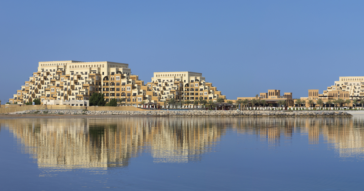Live in the idyllic setting of Al Hamra in Ras Al Khaimah with attractive rentals